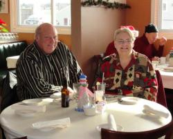 Retread_Christmas_2011_002_op_640x517
